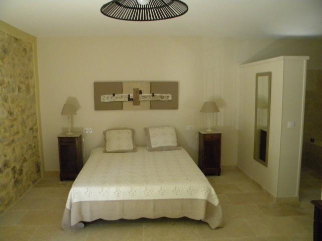 Mornas gite ou chambre d 39 h te dans un mas proven al - Gite ou chambre d hote difference ...