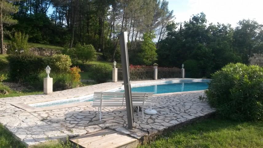 Fayence villa tout confort parc cl tur piscine chauff e for Prix piscine chauffee