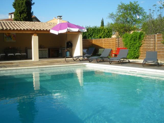 Mazan villa de vacances a mazan avec piscine privee sur for Villa de vacances avec piscine privee