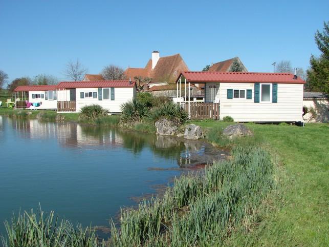 Saint boil petit camping familial de 71 emplacements for Petit camping familial avec piscine