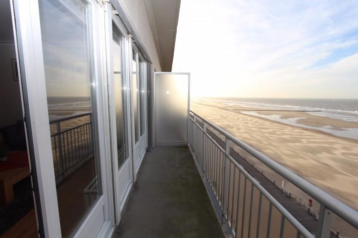 oostende appartement avec vue sur la mer mariakerke. Black Bedroom Furniture Sets. Home Design Ideas