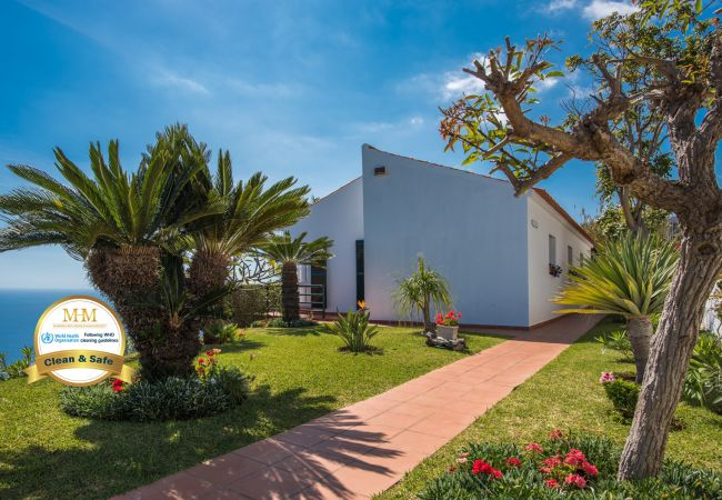 Holiday home for rent Caniço Portugal with Private pool