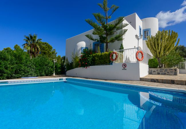 Holiday home for rent Sant Joan De Labritja Espagne with Private pool