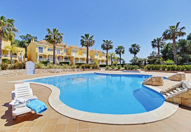 Holiday home for rent Vilamoura Portugal with Pool to share