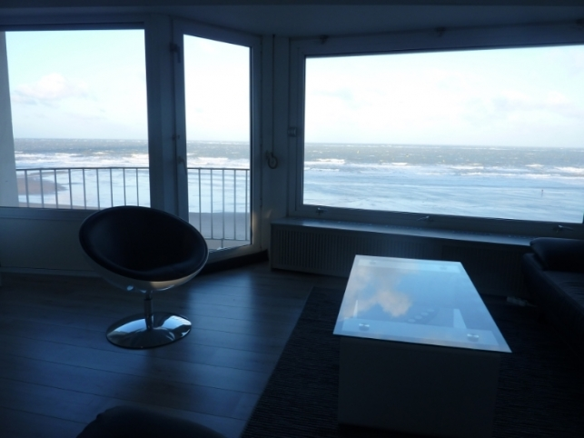 Appartement rénové 2 chambres (6 p) avec de belles vues sur la mer!