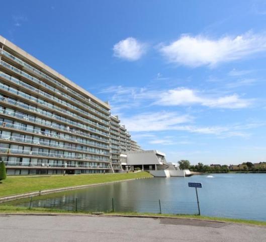 Appartement (rez) avec accès piscine couverte
