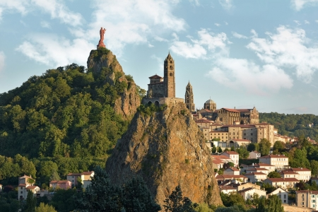Le Puy-en-Velay, un point de départ vers Saint-Jacques de Compostelle